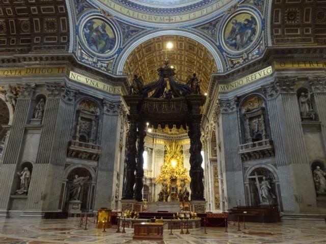 4月28日 大聖堂内部