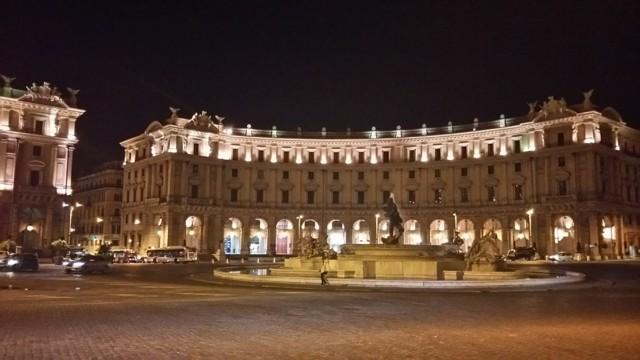 4月29日 共和国広場