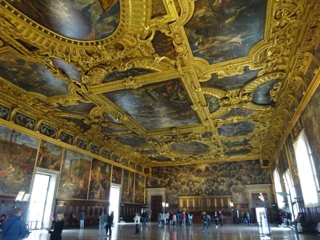 5月2日 ドゥカーレ宮殿