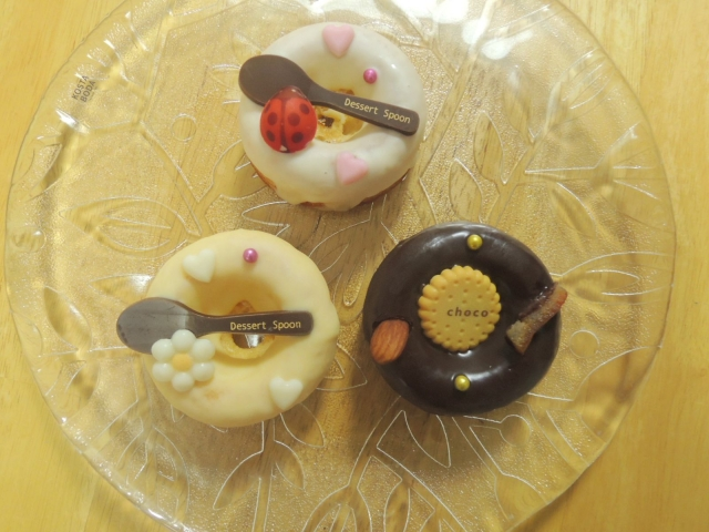 プチプランス・クグロフ 百花蜜のチョコレートドーナツ (5)