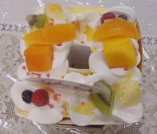 ケーニヒスクローネ 母誕生日ケーキ 201607 (2)