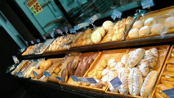 スーパーおくやま パン屋 (6)