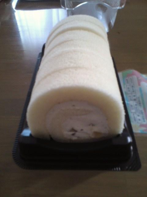 白くまロールケーキ