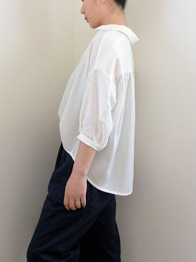 白シャツ8