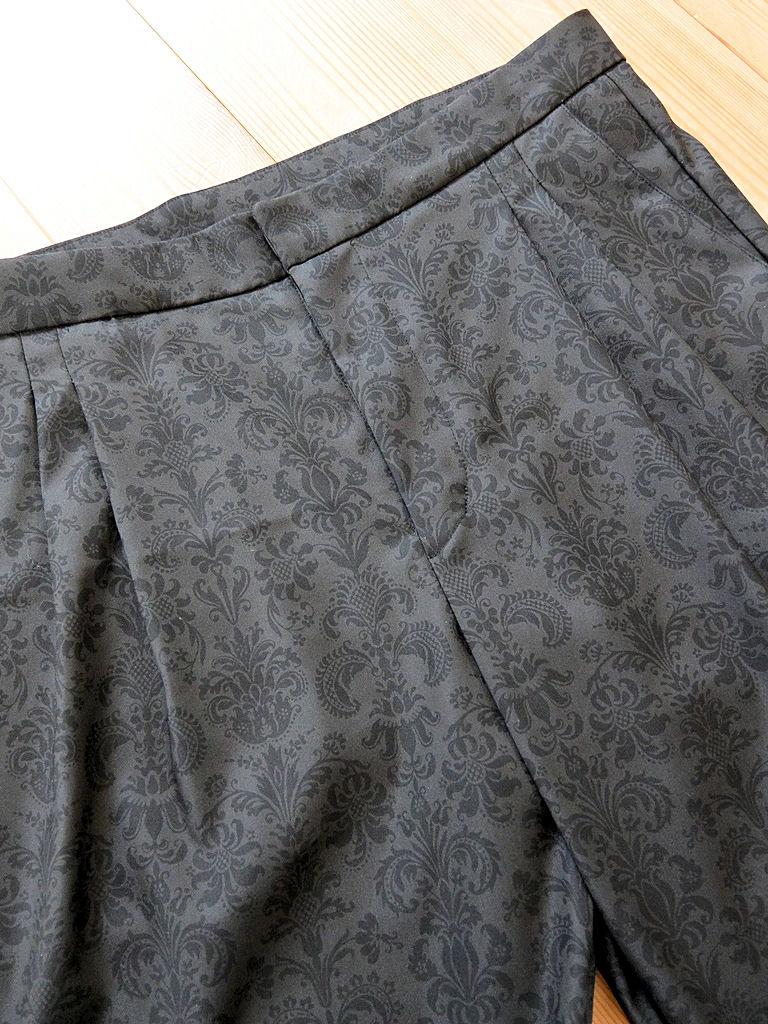 黒パンツ2
