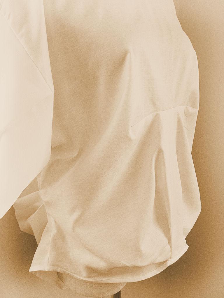 白ブラウス8