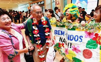 img_1279f7c01c笑顔の帰郷、ブラジル移民1世の當山正雄さん