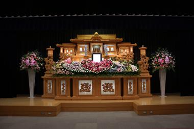 葬儀 花祭壇 豊川 花屋 花夢