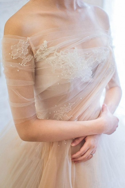 06-off-the-shoulder-peach-tulle-wedding-gown.jpg