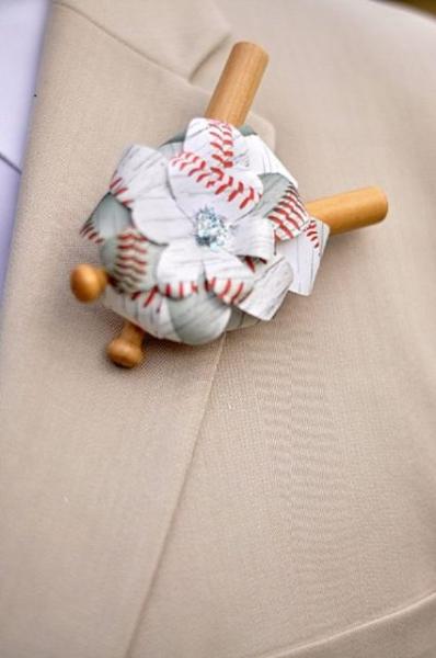 Origami-groom-and-groomsmen-boutonniere.jpg