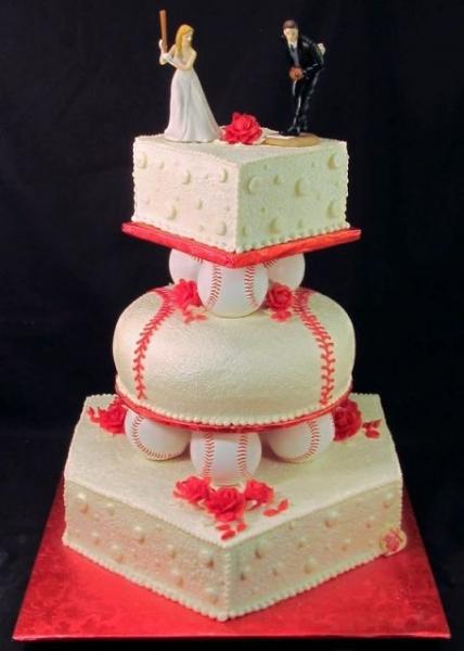 Original-three-tiered-cake-with-baseball-decor.jpg