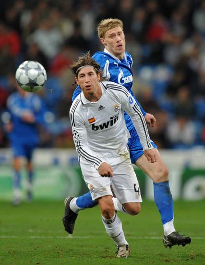 Sergio_Ramos_Real_Madrid_v_Zenit_St_Petersburg_ShfiBt_CPdhl.jpg