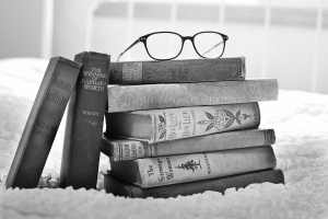 stack-of-books-1001655_960_720_20160807063353905.jpg