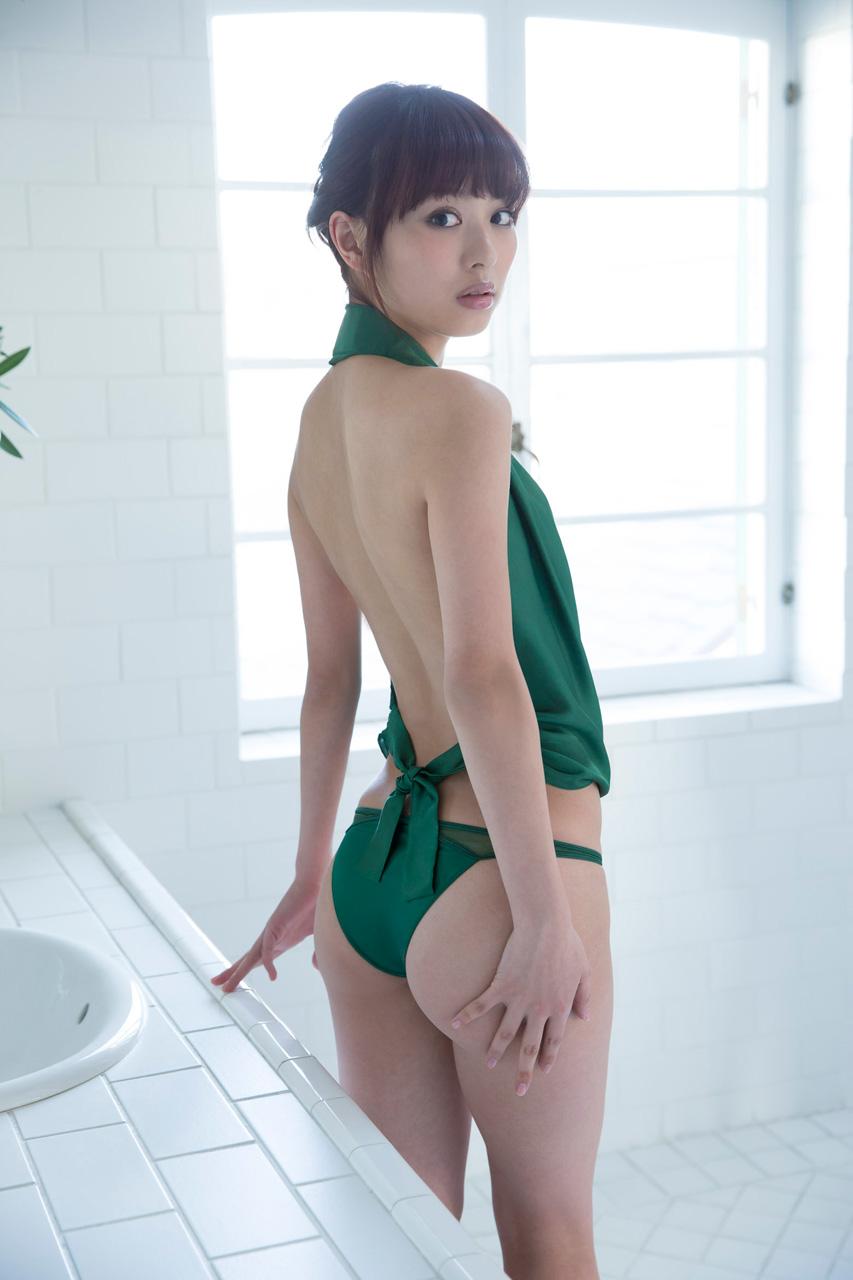 内田理央060