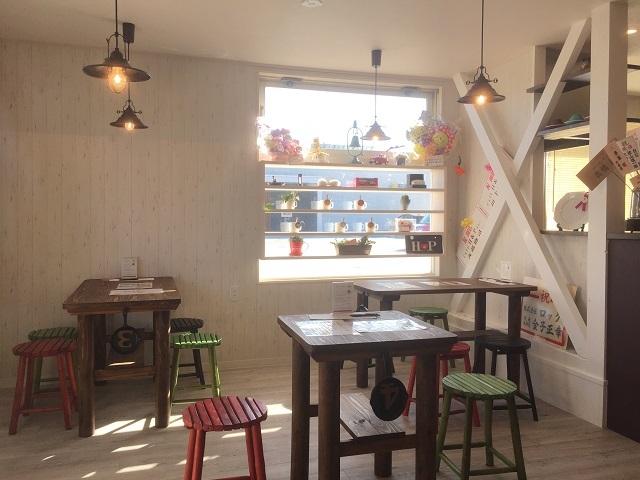 café HP by HeartPeace 店内