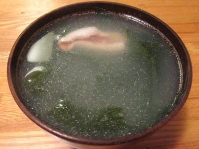 ユメカサゴだしのワカメスープ1