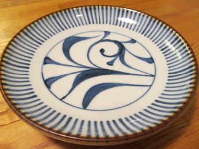 梅山窯縁紅とくさ唐草の取皿