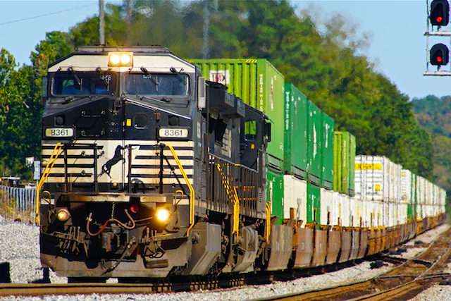 Oct2416 NS8361 container Irondale1