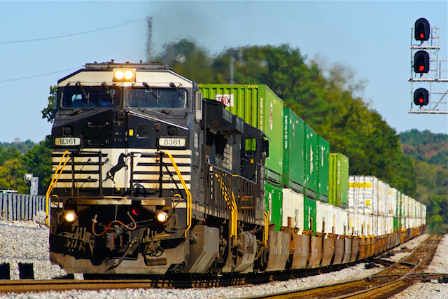 Oct2416 NS8361 container Irondale2
