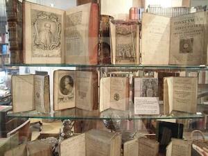 稀覯本の数々