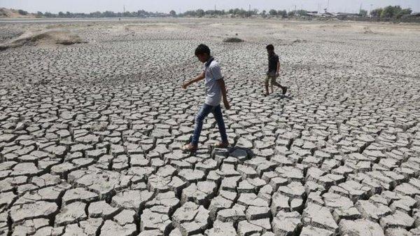 インドで記録的な高温や干ばつが深刻化…井戸は干上がり、3億人以上が水不足に