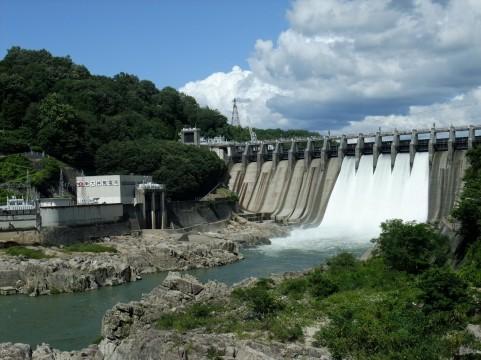 【水不足】 国交省「ダムの貯水量が半分以下になってる。1992年以降で最低を記録した」