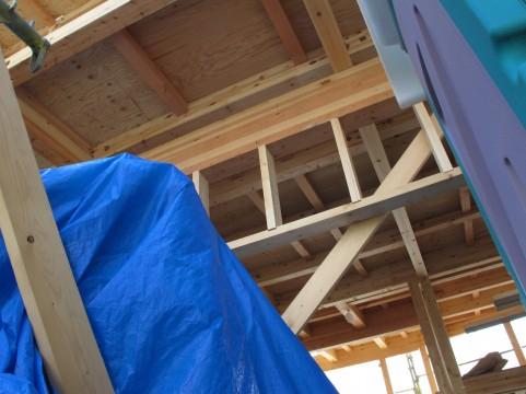 京都大「2回の震度7に建物が耐えるには、現行の基準より5割増しの強度が必要」