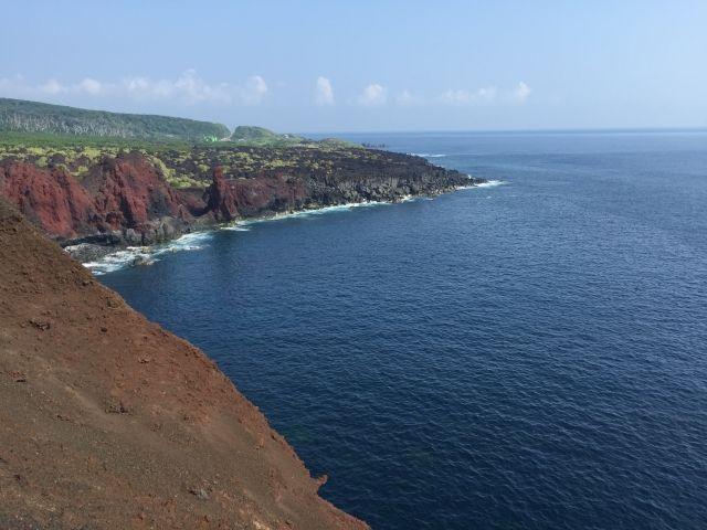 気象庁「伊豆諸島・三宅島で火山性微動を観測」 「全国12の火山に噴火警報と火口周辺警報」を発表