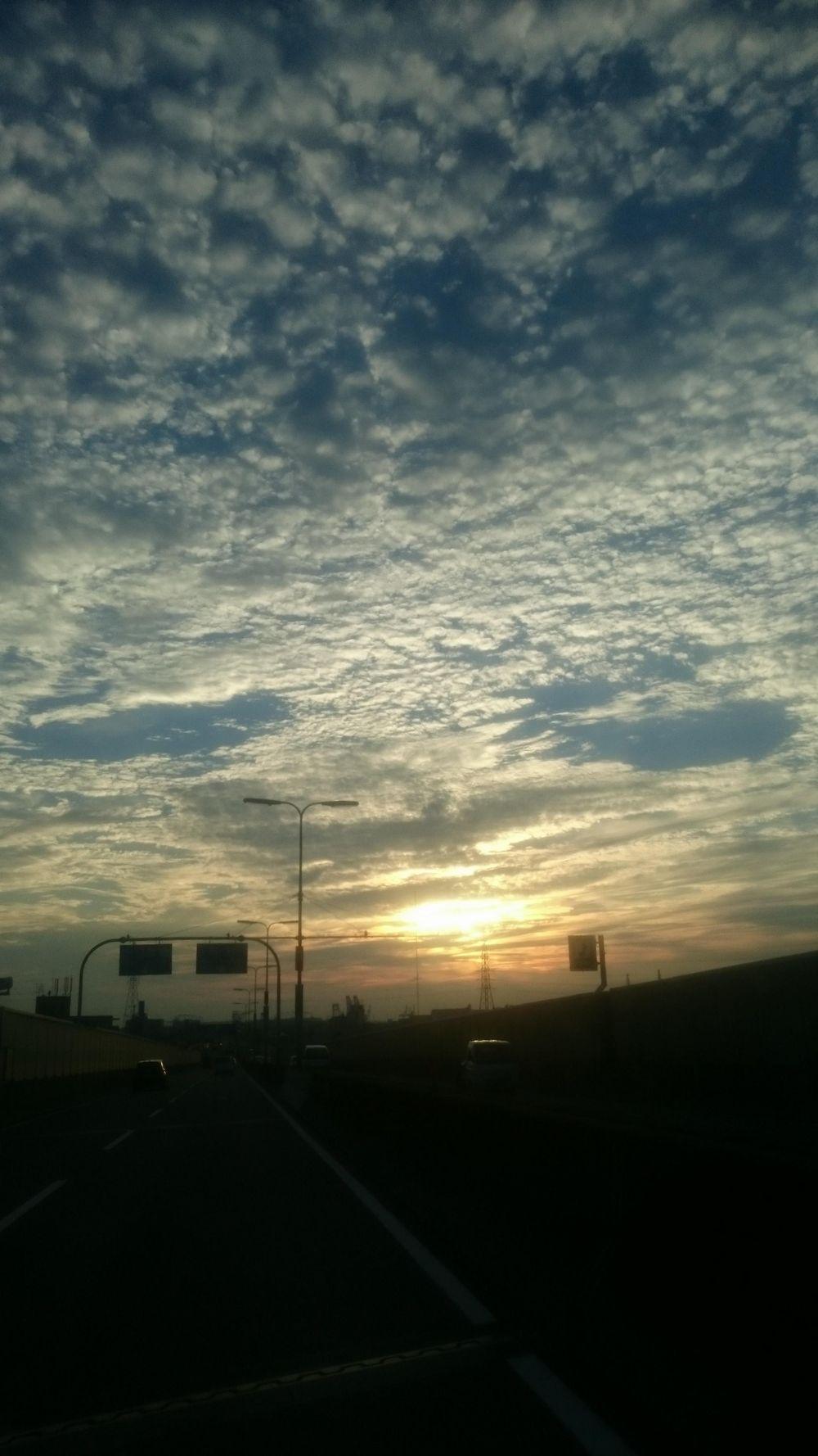 【前触れ】大阪周辺の上空で「地震雲」の目撃報告がネット上に相次ぐ