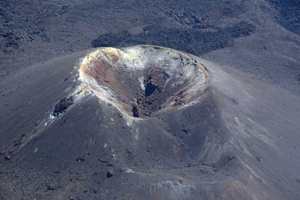 【西之島】16日から噴火後、初となる上陸調査へ…島の成長や生態系の解明に