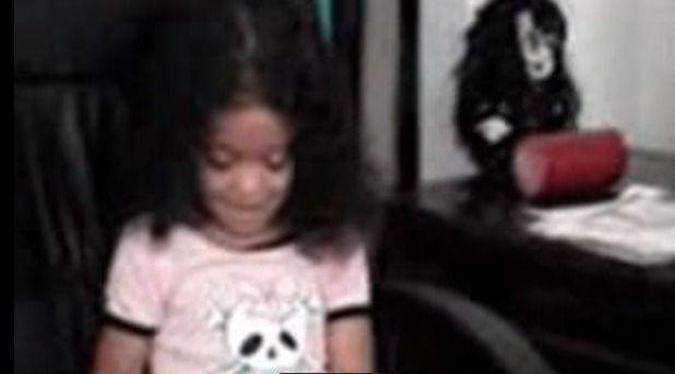 【心霊動画】 動く人形たち…「深夜、少女に覆い被さるぬいぐるみ」 「ロウソクを転がす人形」 「こちらを見たり首や手とか動かす人形」