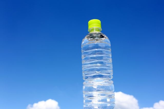 【富士山】ミネラルウォーター「富士山麓のきれいな水」から基準値越える発がん性物質を検出、回収へ