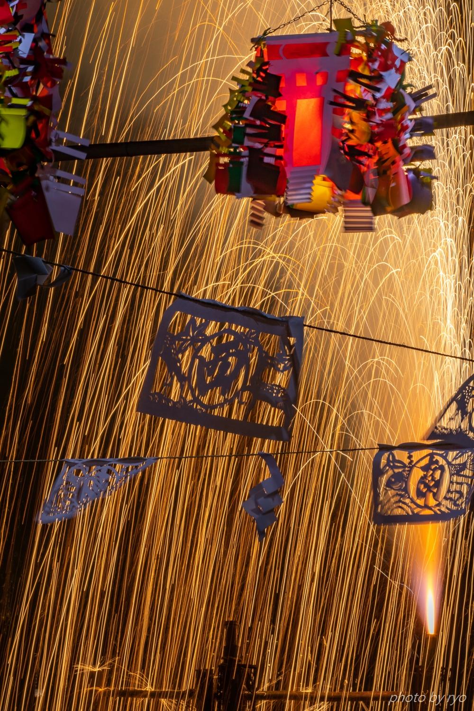 傘火と吹火と綱火と手筒花火_4