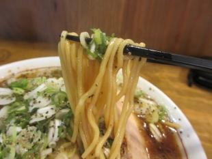ジョー ブラックラーメン 麺