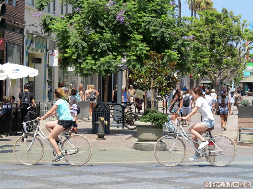 Santa-Monica_3rd_Street_Promenade_1.jpg