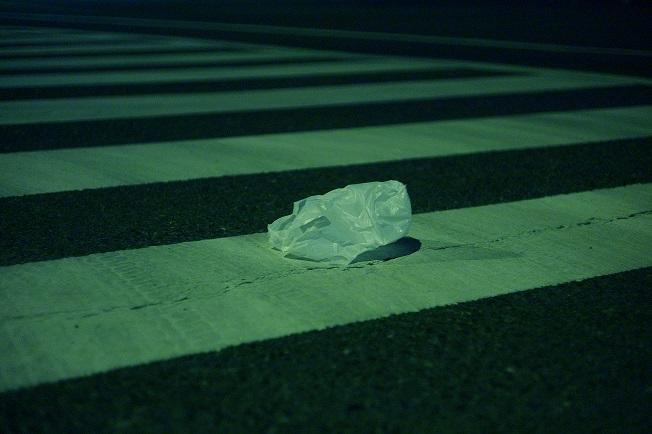 フリー画像夜の横断歩道