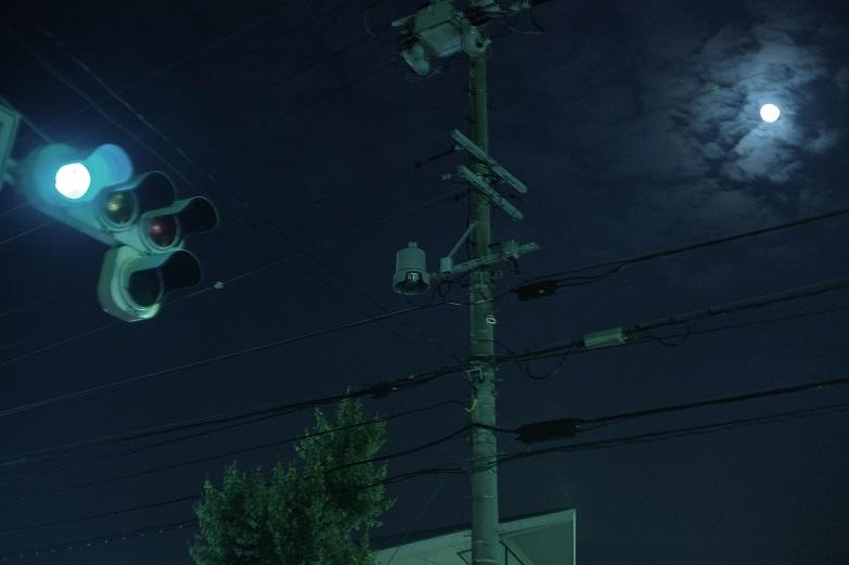 フリー画像夜の信号