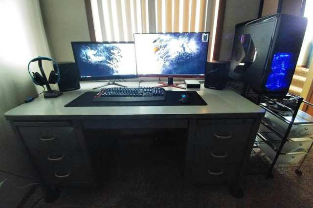 PC_Desk_MultiDisplay77_19.jpg