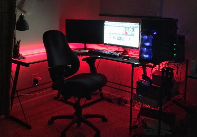 PC_Desk_MultiDisplay77_25.jpg