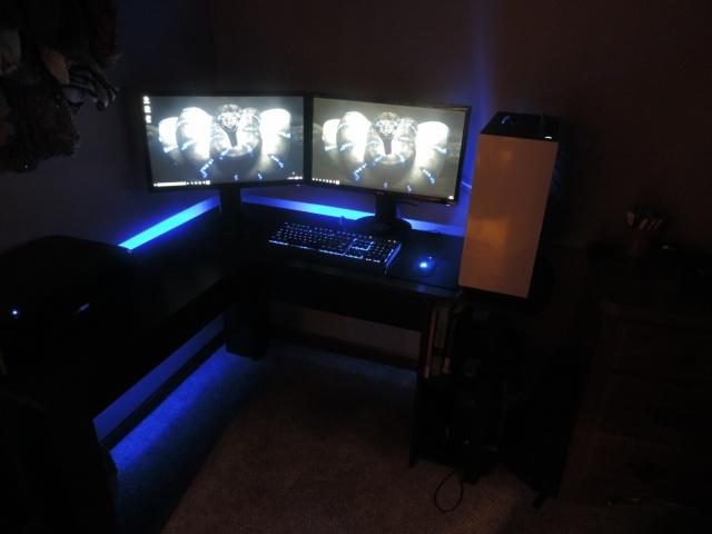 PC_Desk_MultiDisplay77_27.jpg