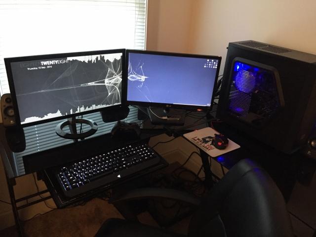 PC_Desk_MultiDisplay77_42.jpg