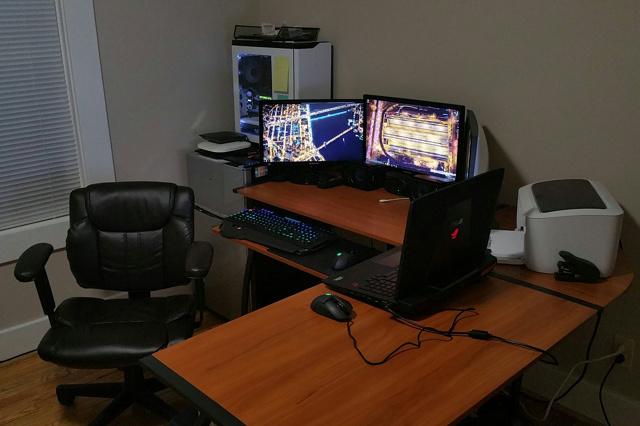 PC_Desk_MultiDisplay77_44.jpg