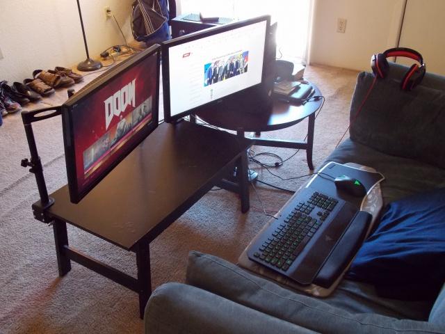 PC_Desk_MultiDisplay77_60.jpg