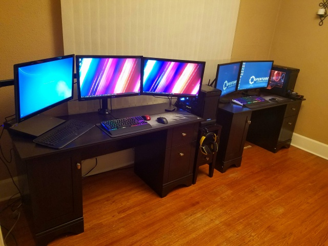 PC_Desk_MultiDisplay77_68.jpg