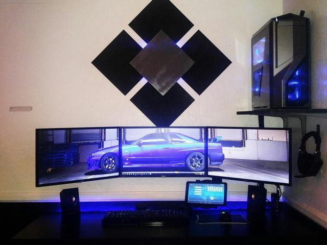 PC_Desk_MultiDisplay77_69.jpg