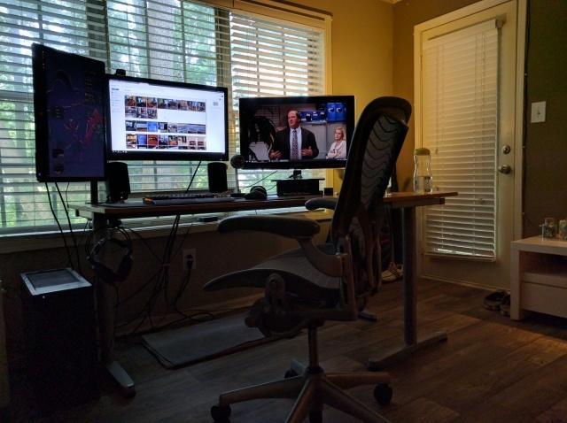 PC_Desk_MultiDisplay78_01.jpg